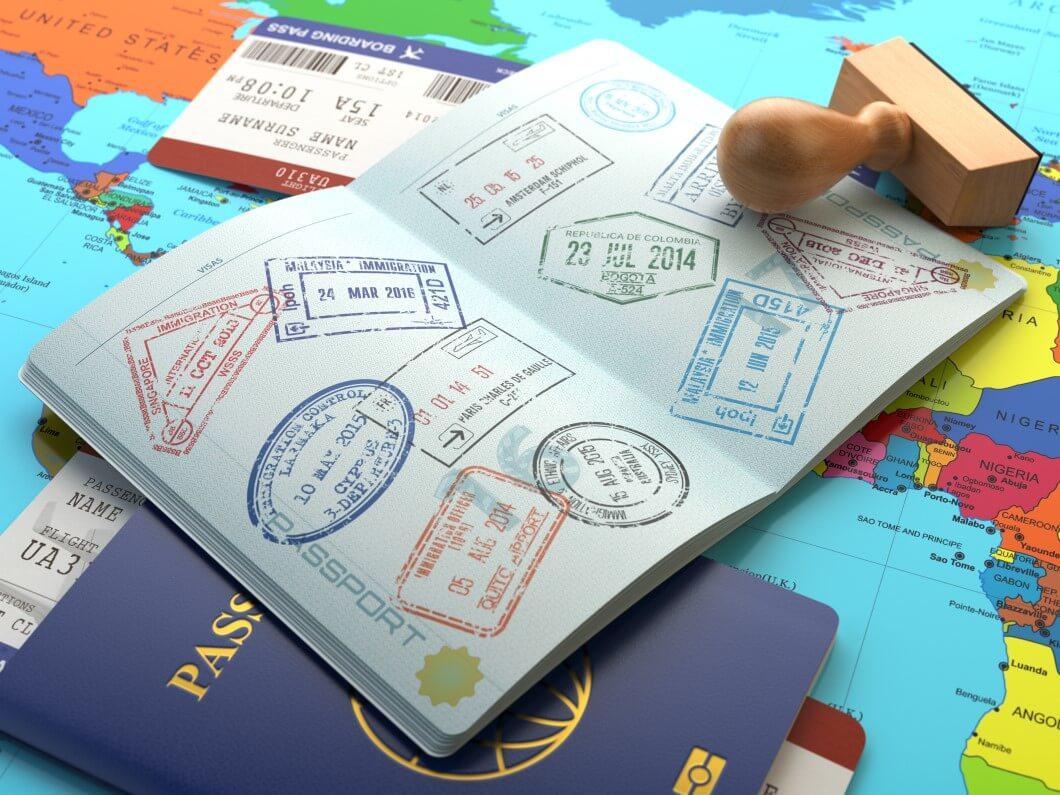זה עולם קטן עם דרכון חזק!